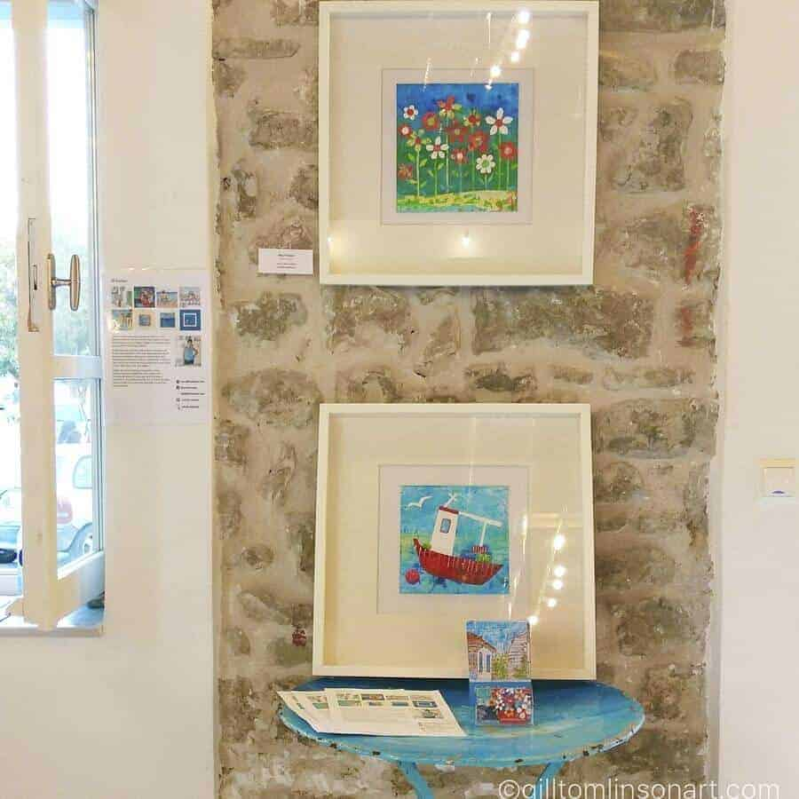 art exhibition by gill tomlinson in methoni