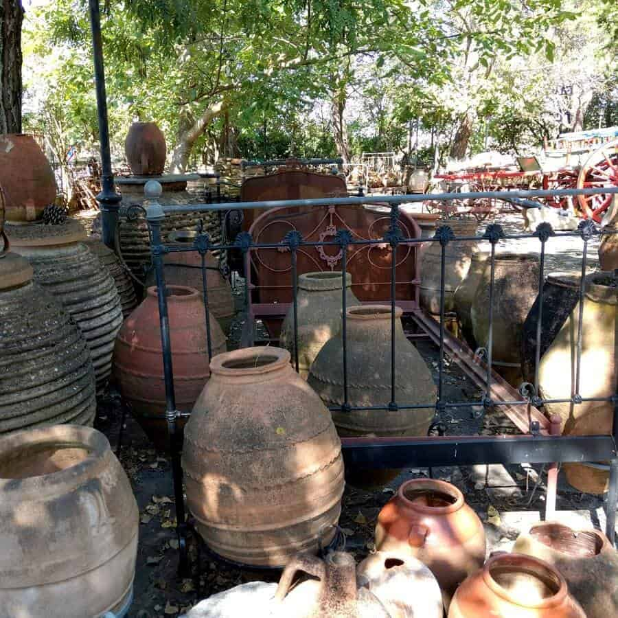 traditional Greek pottery in Tripoli